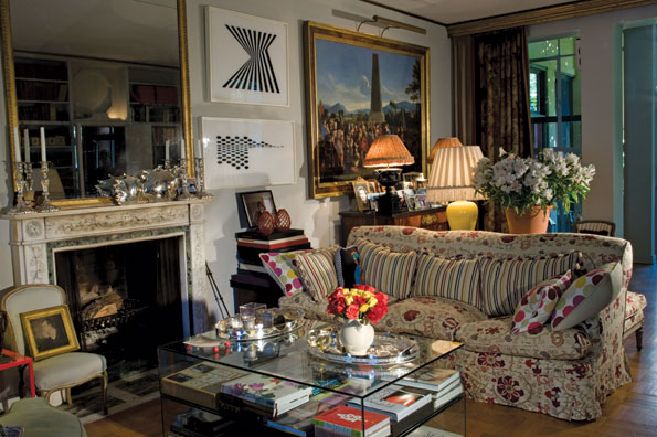 "The Living Room's ""Eclectic English Country House"" Décor"