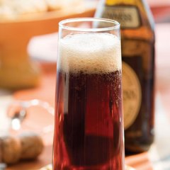The Black Velvet cocktails gets its fizz both from stout and sparkling wine.