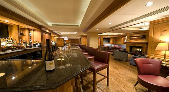 Wine spirits jockey club features hanzell vineyards for Best private dining rooms washington dc