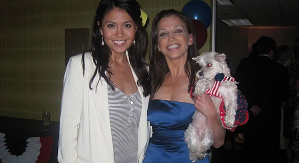 Angie Goff poses with Wendy and Lucky Diamond at the White House Pet Correspondent's Dinner