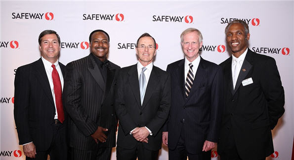 Greg TenEyck-Safeway, WJLA anchor Leon Harris, Safeway CEO Steve Burd, Councilmember Jack Evans and Craig Muckle gather at the Social Safeway Opening Gala