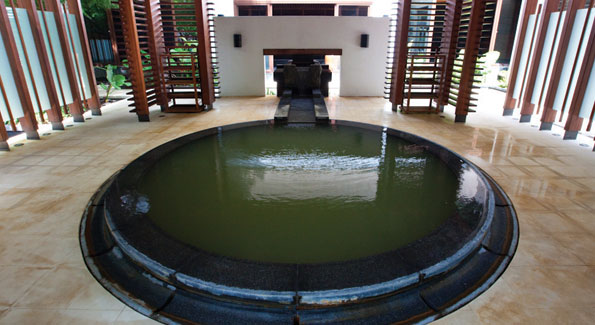The geothermal hot spring fed spa. (Photo by Anchyi Wei)