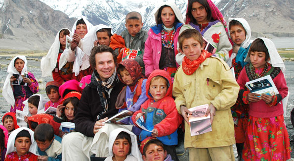 "Greg Mortenson with Sitara ""Star"" Schoolchildren in Afghanistan. (Image courtesy Central Asia Institute)"
