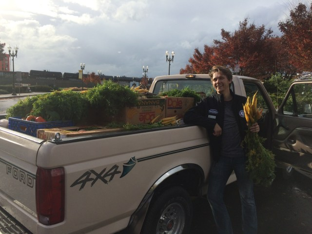 Washington Service Corps member Connor serving with the Clark County Food Bank