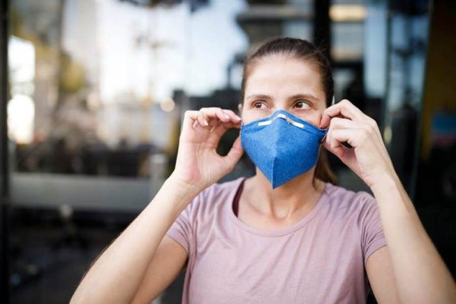 People Are Still Skeptical About Giving Up Masks Even After Receiving CDC Guidelines