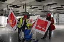 Streikposten versorgen sich mit Nachschub