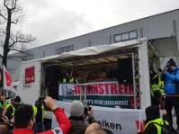 Kundgebung am Tor 3