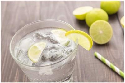 Maunawai: Leckeres Wasser mit Zitrone