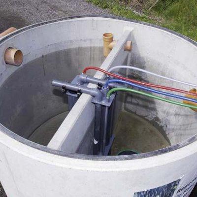 Kleinkläranlage-Sano-Clan-installiert-Behälter