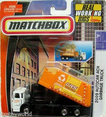Image shows the Matchbox 2010 Autocar ACX Garbage Truck.
