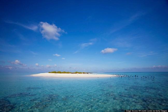 o-MALDIVES-WATER