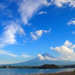 富士五湖を完成させた平安時代の大噴火。貞観噴火の溶岩流と富士山の噴石