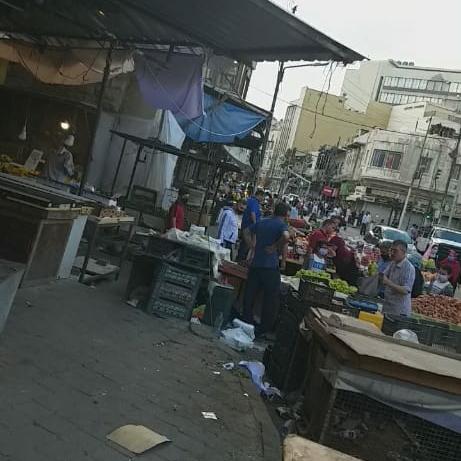 في الوقت الذي تصادر فيه بسطات الضعفاء متنفذون في امانة عمان يحتلون شوارع العاصمة ببسطاتهم