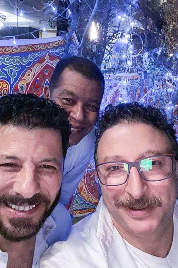 شاهد صور مشاركة إياد نصار في حفل إفطار دفعة الشهيد محمد مبروك - فن وثقافة -  الوطن