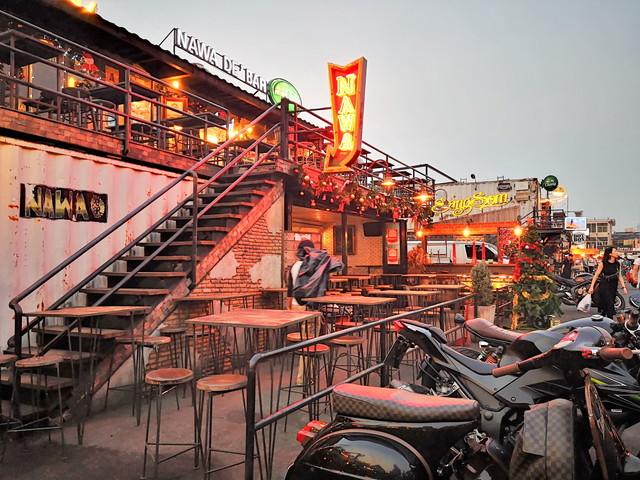 バンコクのインスタ映えする ナイトマーケット タラートロットファイラチャダーの見どころと楽しみ方は?