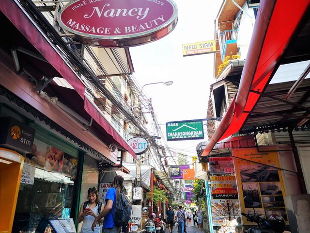 【バンコク】バックパッカーの聖地?!観光地としてもテンションの上がる カオサン通り の見どころとSNS映えスポット。