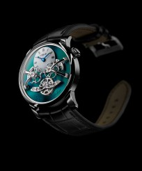 MB&F LM2 Titane-front