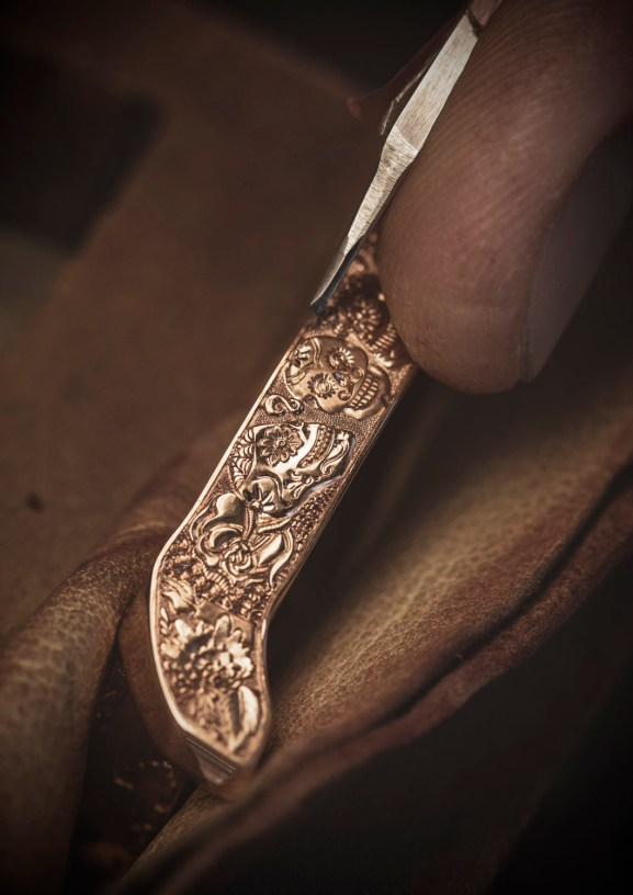 Making of - Engraved case L.U.C Perpetual T Spirit of La Santa Muerte 161941-5005 (4)