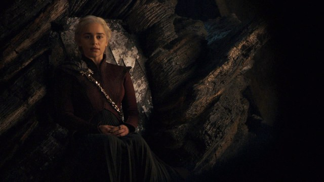 Daenerys Dany Targaryen Dragonstone Throne Season 8 805 2