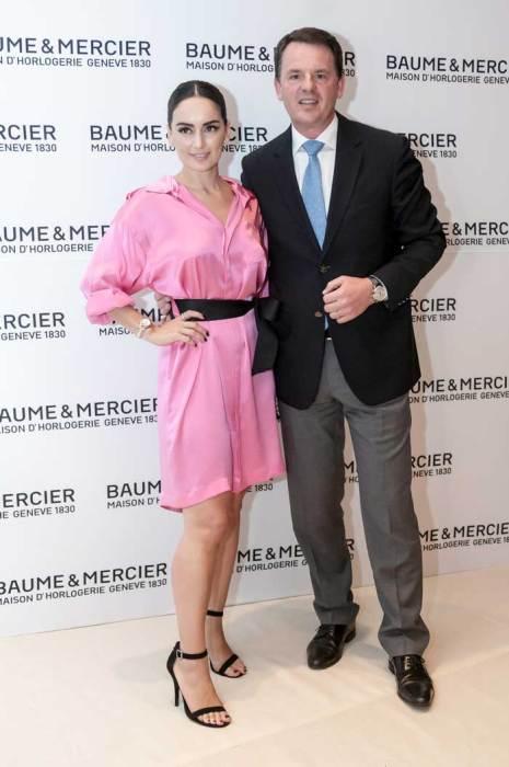Uno de los momentos más emotivos del Salón fue protagonizado por Alain Zimmermann, CEO de Baume & Mercier, y la actriz mexicana Ana de la Reguera, quien se mostró muy satisfecha por el éxito de la firma en México, así como agradecida por el apoyo que la marca brinda a su fundación: VeracruzAna A.C.
