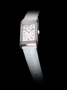 Grande Reverso Lady Ultra Thin / Diamantes en vertical.