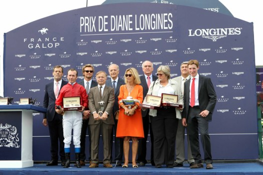 Ceremonia de premiación: Prix de Diane Longines con Walter von Känel, Presidente de Longines.