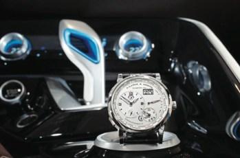 Al interior del BMW i8, poseedor de un innovador motor eDrive que reconcilia la eterna contradicción entre alto desempeño y bajo consumo de combustible.