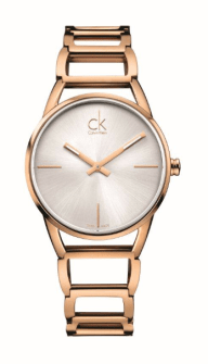 STATELY // CK Stately se compone de un brazalete liso que tiene un diseño repetitivo, de múltiples capas, que se integra perfectamente con un reloj clásico. La versión en PVD Rosa y Amarillo son complementados con una caratula plata.