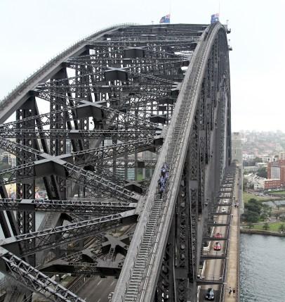 BridgeClimb_on_Sydney_Harbour_Bridge,_jjron,_02.12.2010