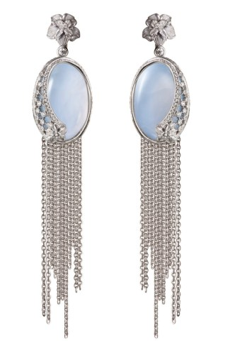 DA13603 022704 - Sierpes maxi earrings in white gold, chalcedony and diamonds