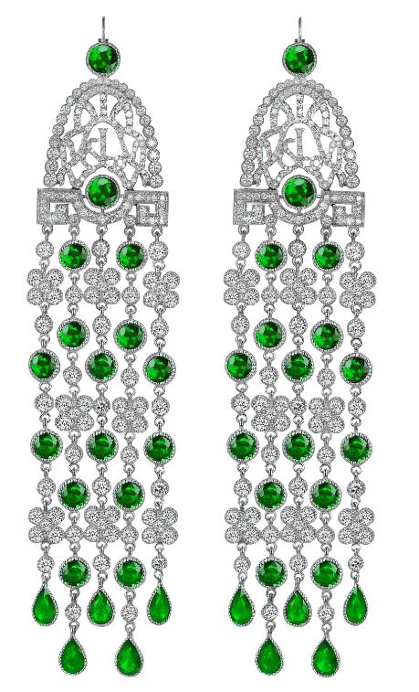 Aretes con esmeraldas y diamantes de Jacob & Co.