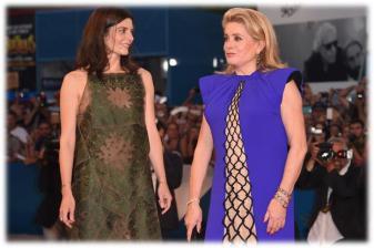 Catherine Deneuve y Chiara Mastroianni durante la premiere de «Three Hearts » (« 3 Cœurs ») premiere