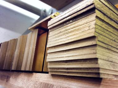 El latón es el material más utilizado en la relojería, y en este caso es el que servirá para desarrollar platina y ébauches.