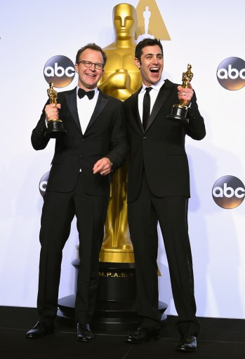Josh-Singer-and-Tom-McCarthy-at-the-88th-Academy-Awards