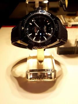 Omega-Seamaster-Planet-Ocean-Deep-Black-GMT-watch-58