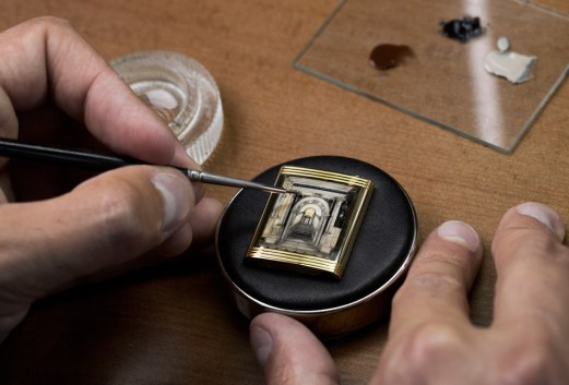 reverso-watch-tribute-to-scuola-grande-di-san-rocco_enamelling_photo-johann-sauty