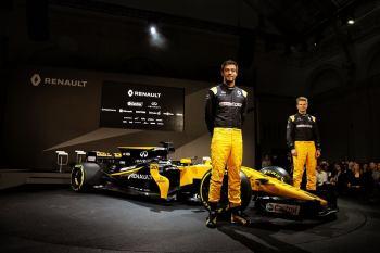 Bell-Ross-Renault-F1-2017-13