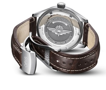 01-735-7728-4084-Set-LS-Kroko---Oris-Royal-Flying-Doctor-Service-Limited-Edition-II_HighRes_6430