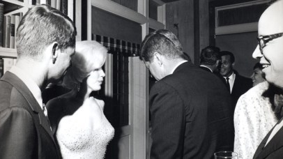 JFK_and_Marilyn_Monroe_1962-