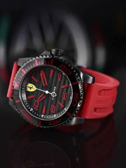 Scuderia-Ferrari-Movado-2018-1