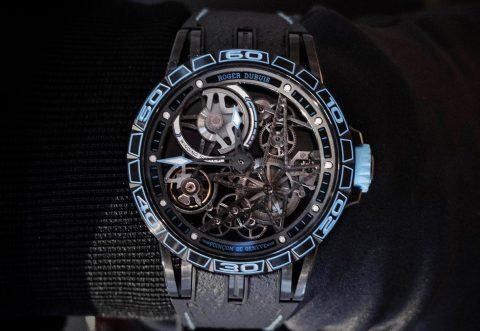 Roger-Dubuis-Excalibur-Spider-Skeleton-Automatic-Pirelli-Blue-2