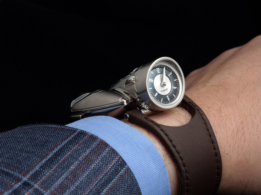 MB&F Horological Machine N°9 'Flow' dial up