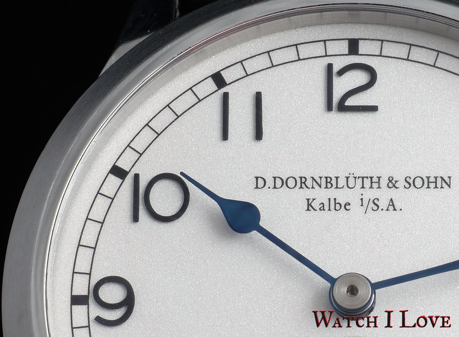Dornbluth Q-2010 Classic dial detail