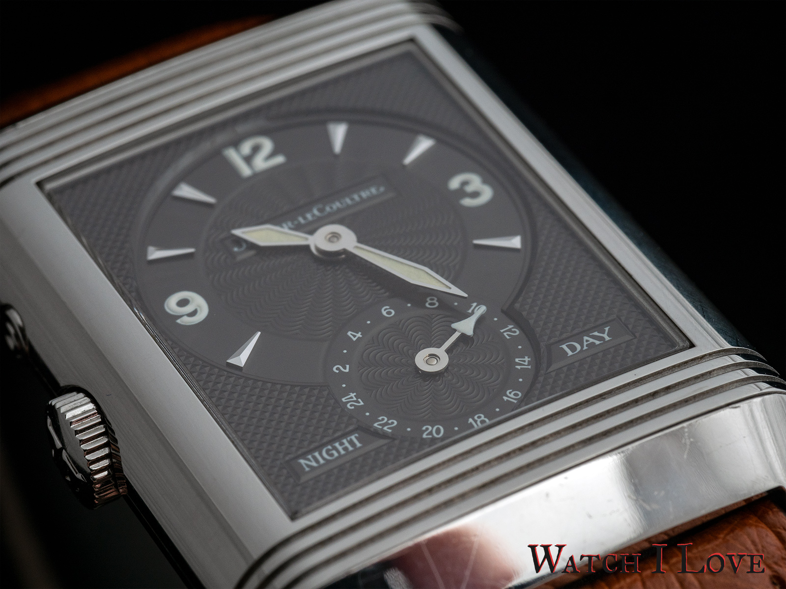 Jaeger-LeCoultre Reverso Duoface Night&day grey dial detail 2