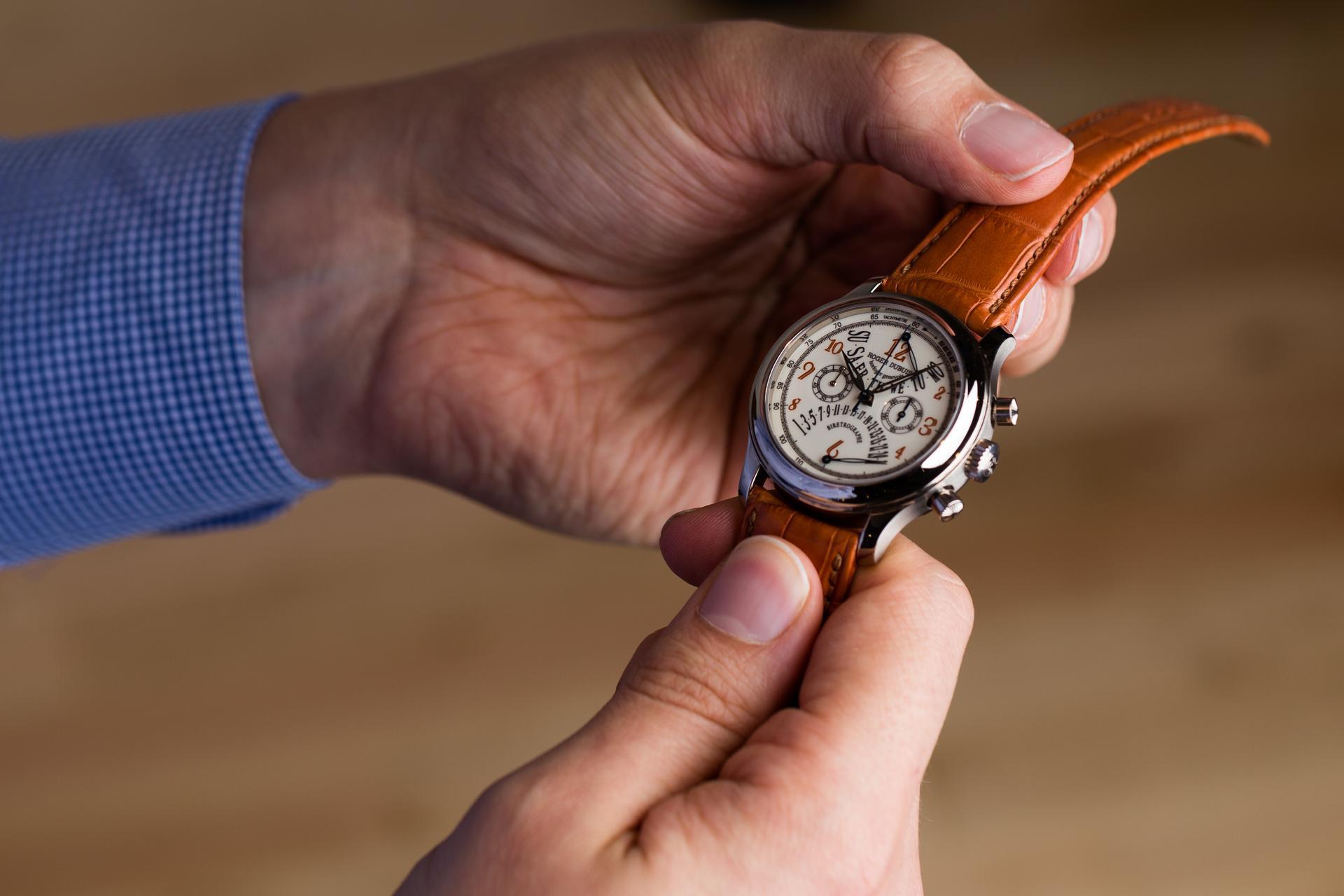 WatchBox - Les Ambassadeurs Roger Dubuis Hommage Bi-Retrograde