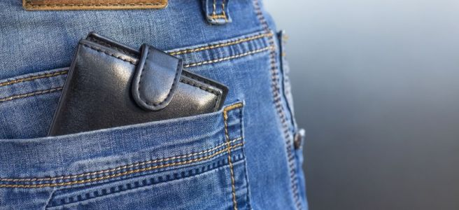 How To Choose the Right Pocket for Your Wallet