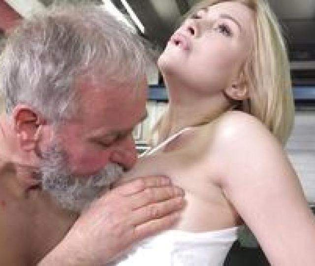 She Pays To The Repairman With Her Pussy