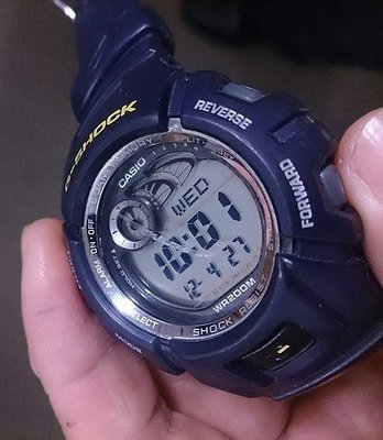reloj rayado