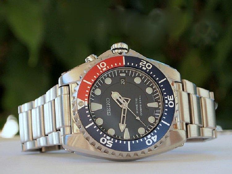 Seiko SKA367P1 Kinetic Divers Watch