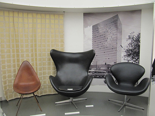 Arne Jacobsen chairs